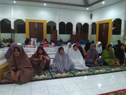 SMP Negeri 10 Lahat – MABIT Wada' Kls 9 Masjid Darussalam Selawi