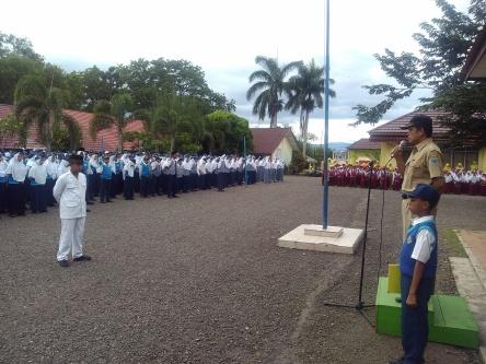 upacara-senin-kepala-sekolah
